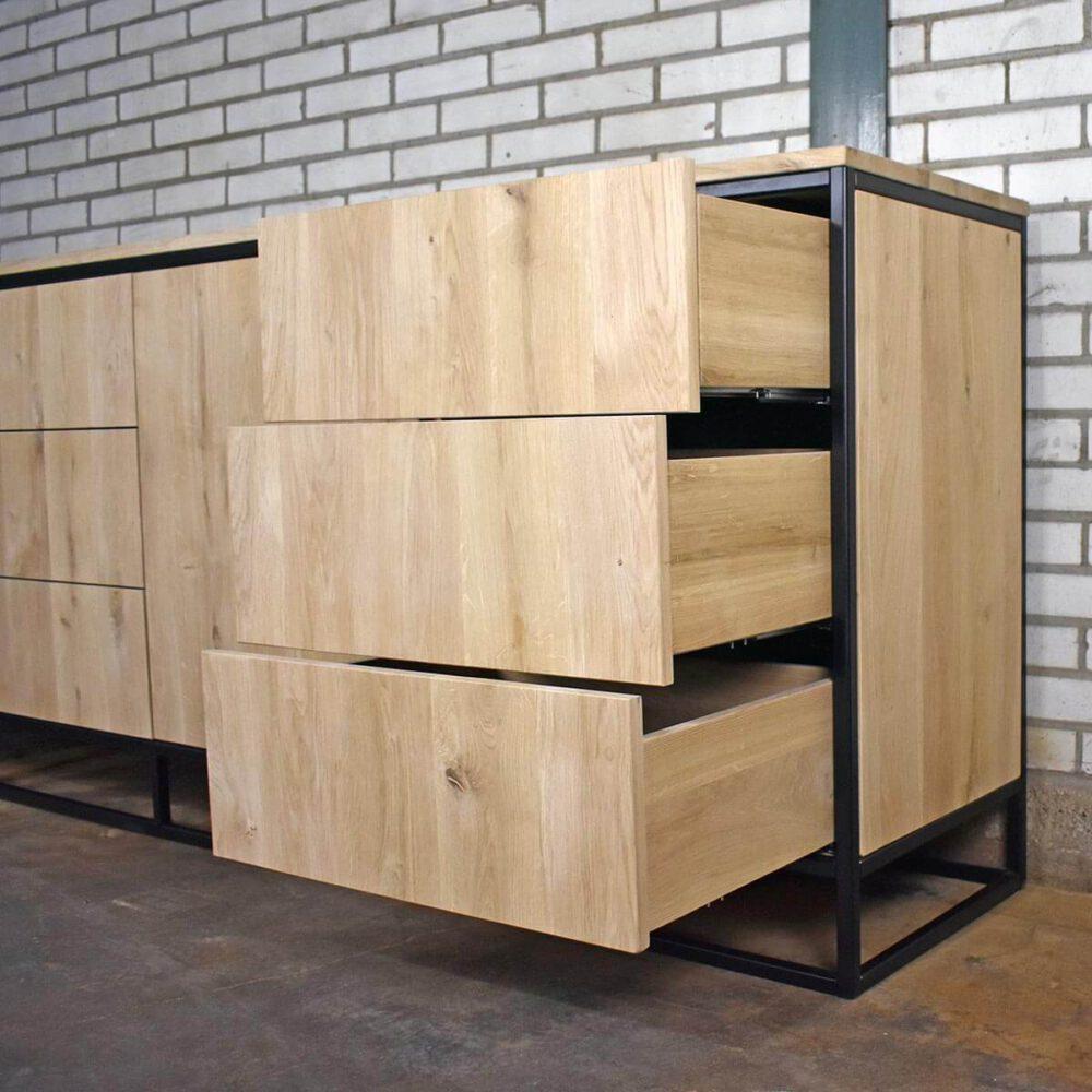 Push to Open lades van Dressoir Orly
